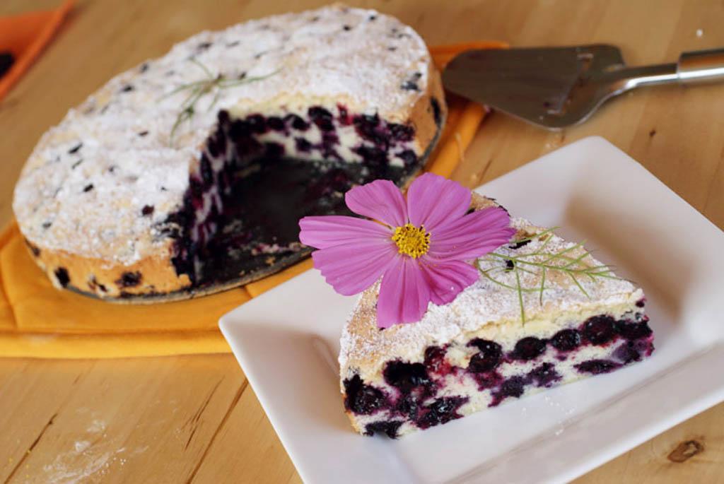 Пирог с черникой с кефиром